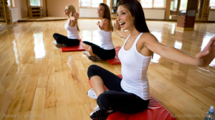 Women-Happy-Yoga-Stretching-Arms